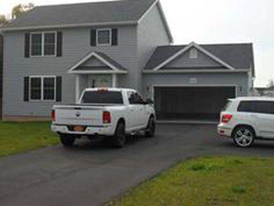3112 Saunders Settlement Rd, Sanborn, NY 14132