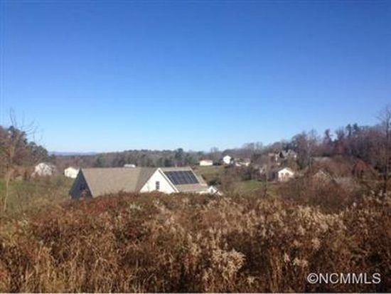 123 S Willow Brook Dr, Asheville, NC 28806
