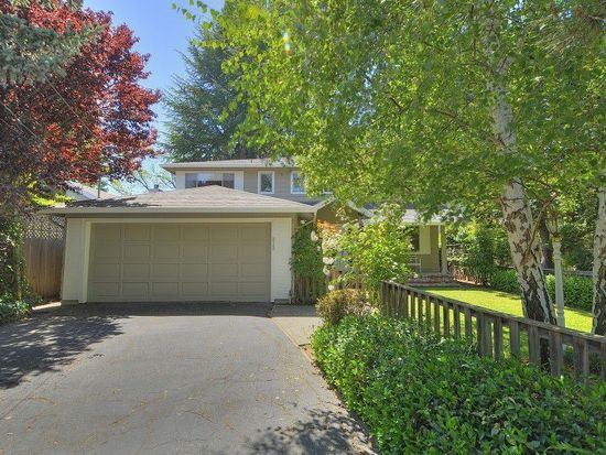 212 Selby Ln, Atherton, CA 94027