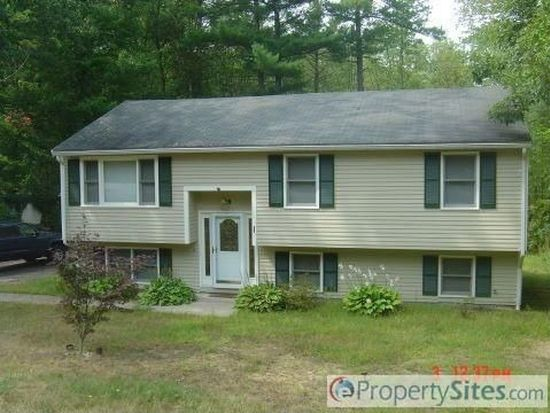 28 Huckins Dr, Newmarket, NH 03857