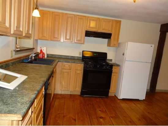 21 S Main St APT B, Derry, NH 03038