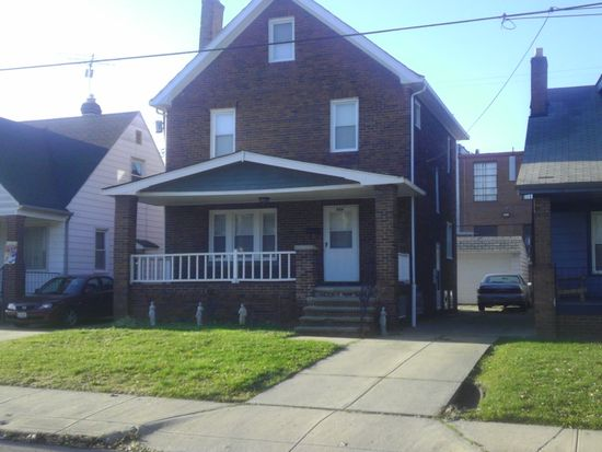 954 Royal Rd, Cleveland, OH 44110