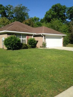 135 Cluster Oaks Ct, Foley, AL 36535