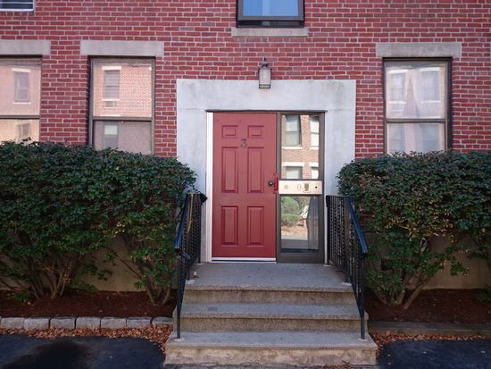 3 Cypress Rd APT 301, Boston, MA 02135