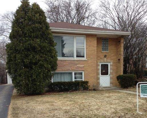 5 S June Ter, Lake Forest, IL 60045