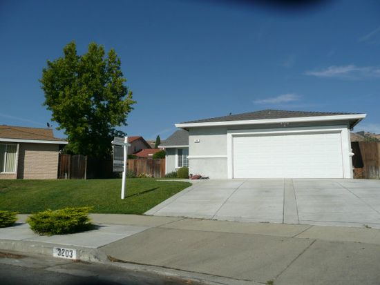 3203 Napa Dr, San Jose, CA 95148