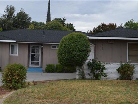 3246 E Hampton Way, Fresno, CA 93726