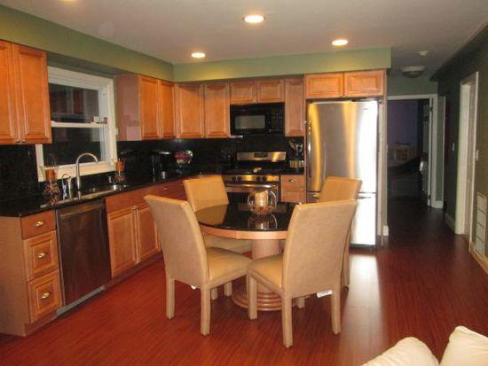 280 Amber St, Staten Island, NY 10306