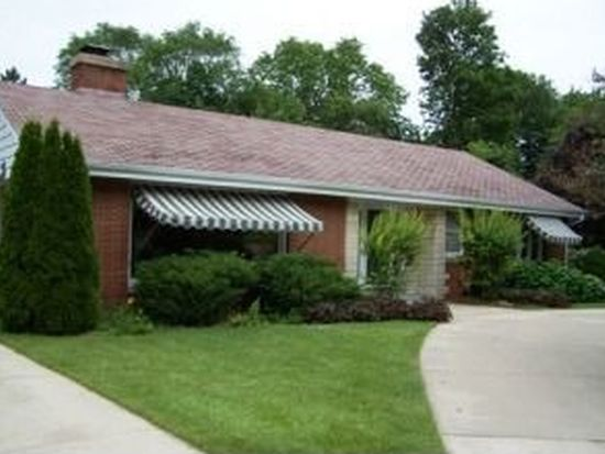 S23W23182 Lookout Dr, Waukesha, WI 53186