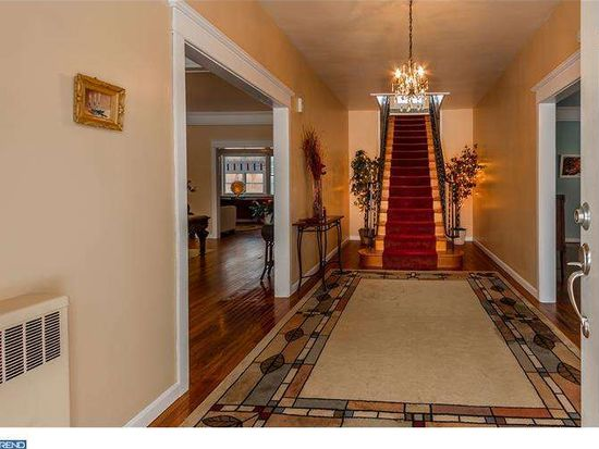 15 W Front St, Florence, NJ 08518
