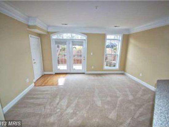 14851 Cloverdale Rd # 84, Woodbridge, VA 22193