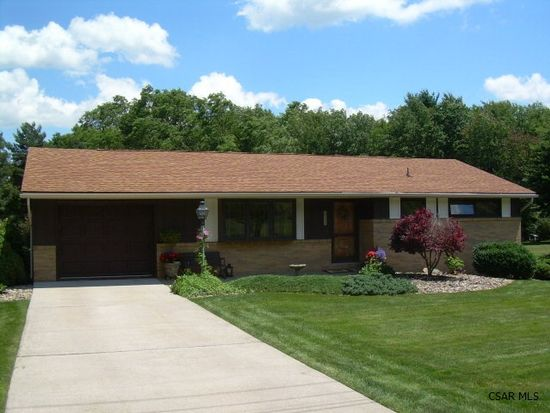 128 Kerry Ct, Johnstown, PA 15905