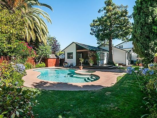 2646 Eaton Ave, Redwood City, CA 94062