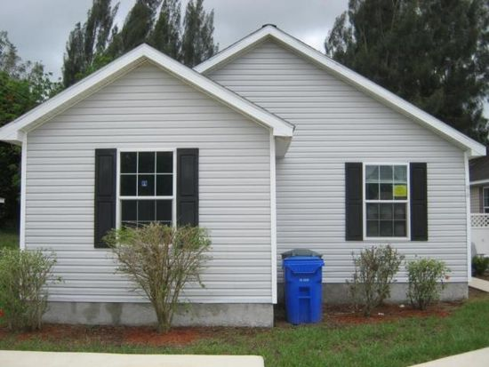 96 Diana Ave, Fort Myers, FL 33905
