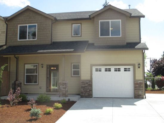 702 Garden Ct, Molalla, OR 97038