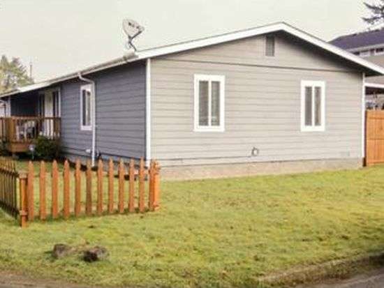 1613 17th St, Florence, OR 97439
