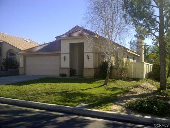 823 W Woodcrest St, Rialto, CA 92376