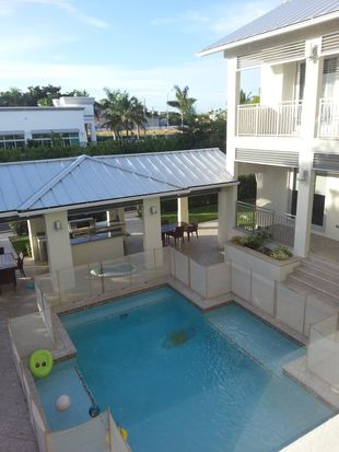 1870 NE 124 St Laurel Ln, Miami, FL 33181