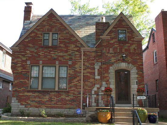 5854 Walsh St, Saint Louis, MO 63109
