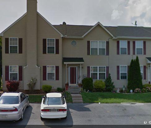 966 Ramblewood Ln, Freemansburg, PA 18017