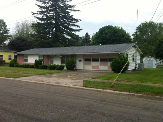 320 W 19th St, Auburn, IN 46706