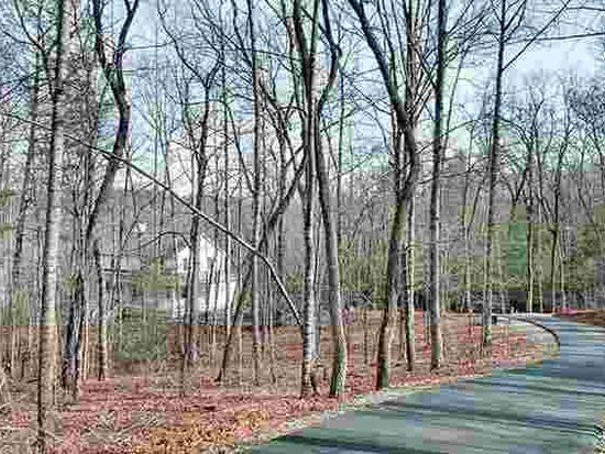 524 Brookside Acres Rd, Mountain Rest, SC 29664