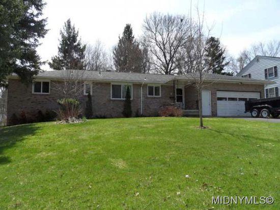 35 Woodberry Rd, New Hartford, NY 13413