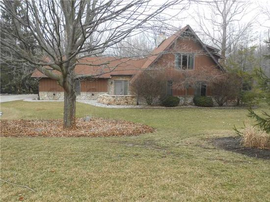 4736 Lakewood Hills Dr, Anderson, IN 46017