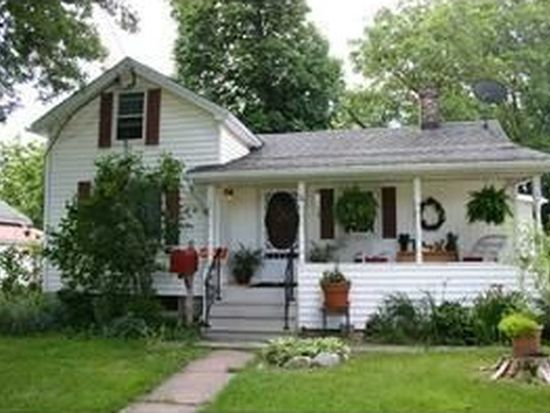 24 Outwater Dr, Lockport, NY 14094