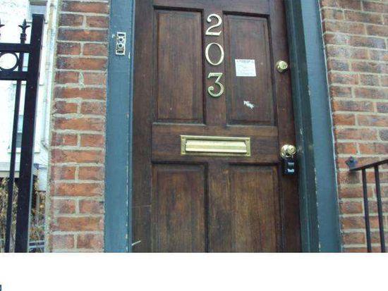 203 S Sartain St, Philadelphia, PA 19107