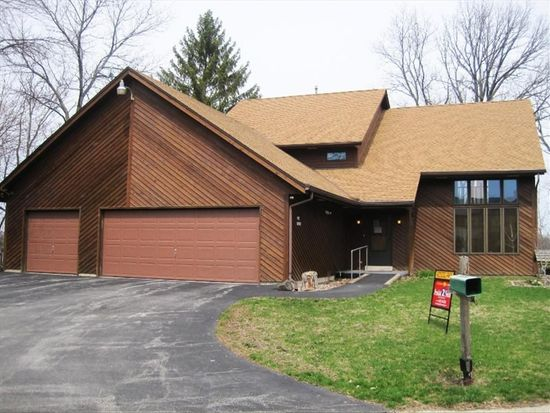 S74W17676 Lake Dr, Muskego, WI 53150