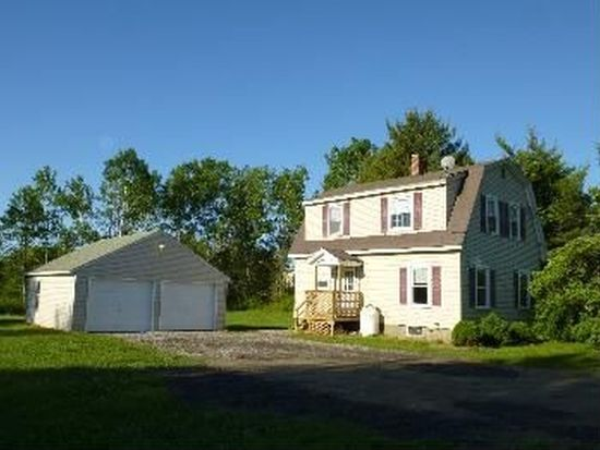 434 County Rd, Westbrook, ME 04092