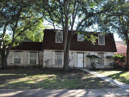 11903 Dorrance Ln, Meadows Place, TX 77477