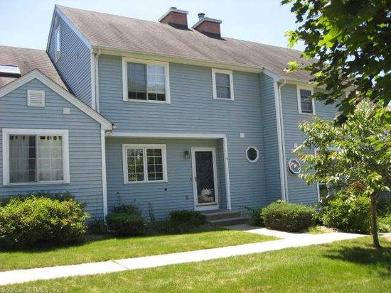 10 Fort Griswold Ln, Mansfield Center, CT 06250