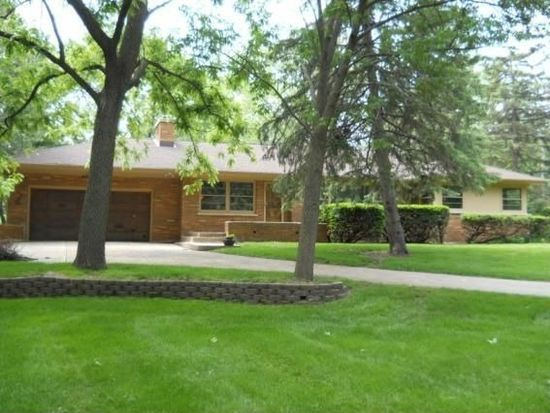 15525 Oak Ln, Brookfield, WI 53005