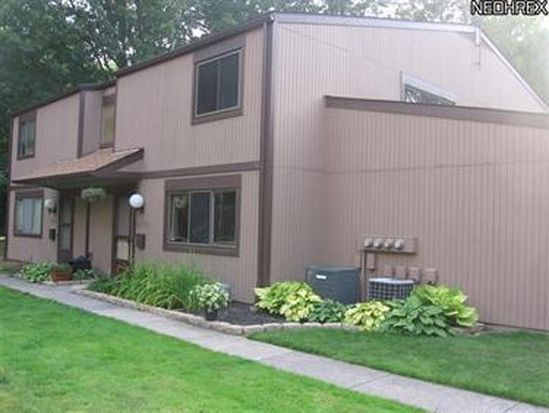26757 Lake Of The Falls Blvd, Olmsted Falls, OH 44138