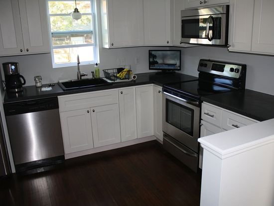 107 Central Ave, East Providence, RI 02914
