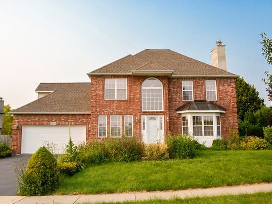 1806 Country Hills Dr, Yorkville, IL 60560