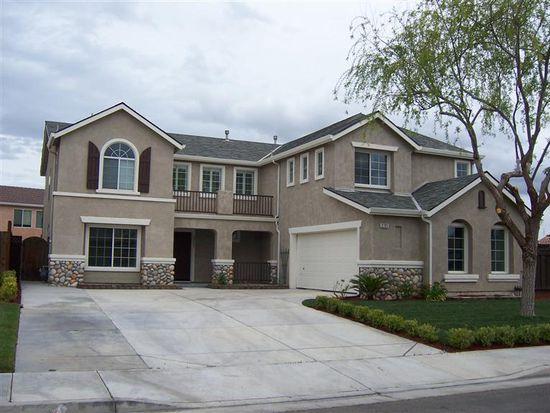 2721 Swan Ln, Los Banos, CA 93635