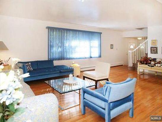 825 Albemarle St, Wyckoff, NJ 07481