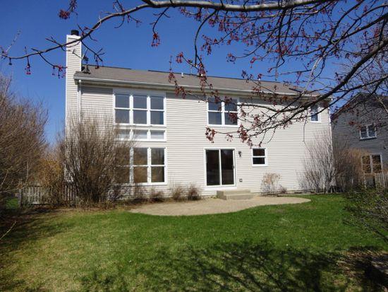 1761 Dorchester Ave, Algonquin, IL 60102