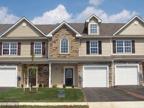 222 Whitley Dr, Chambersburg, PA 17201