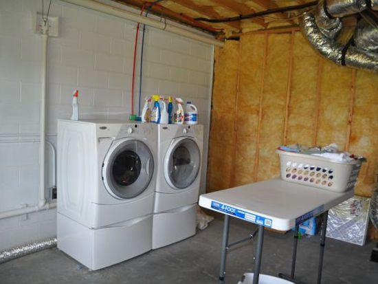 142 Comfort Pl, Burnsville, NC 28714