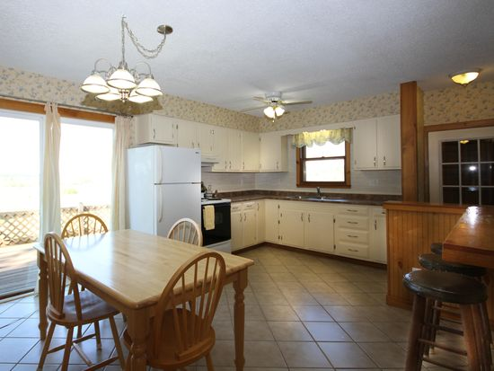 1184 Old Stage Rd, New Haven, VT 05472