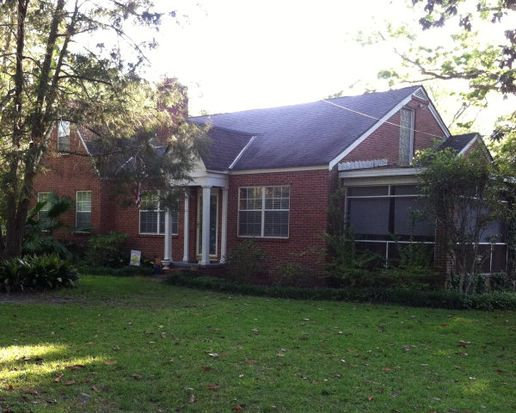 211 Woodland Dr, Thomasville, GA 31792