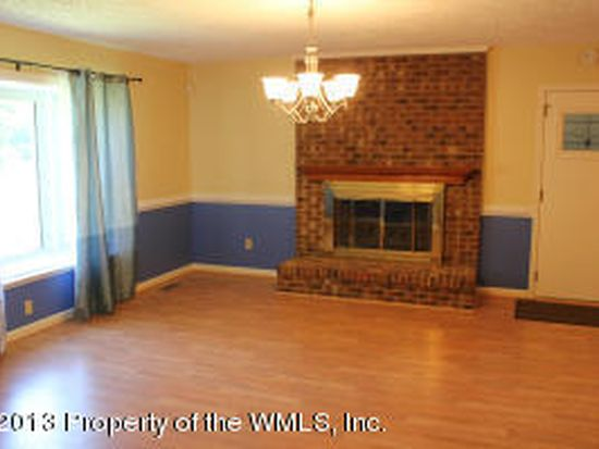290 Fox Hill Rd, Hampton, VA 23669