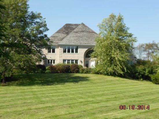 7920 E Swarthmore Rd, Woodstock, IL 60098