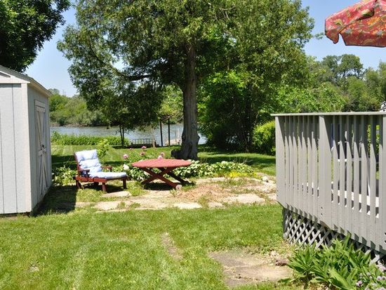222 N River Rd, Fox River Grove, IL 60021