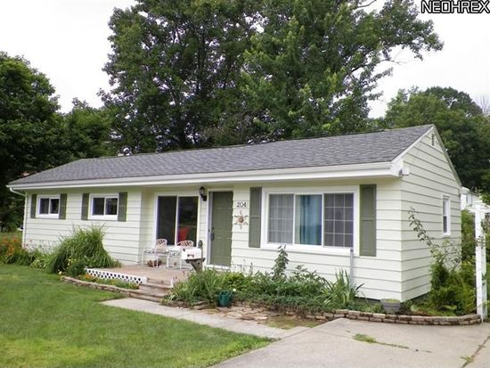 204 Simcox St, Wadsworth, OH 44281