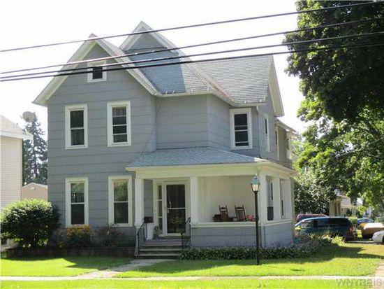 369 Pine St, Lockport, NY 14094
